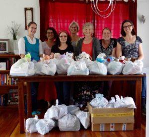 Vergangenen Samstag haben wir 33 Tüten packen können, die meisten für Mütter und ihre neugeborenen Babies